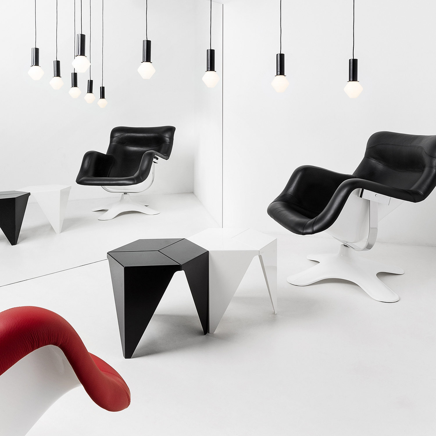 prismatic table is a 3 legged side table by noguchi. Black Bedroom Furniture Sets. Home Design Ideas