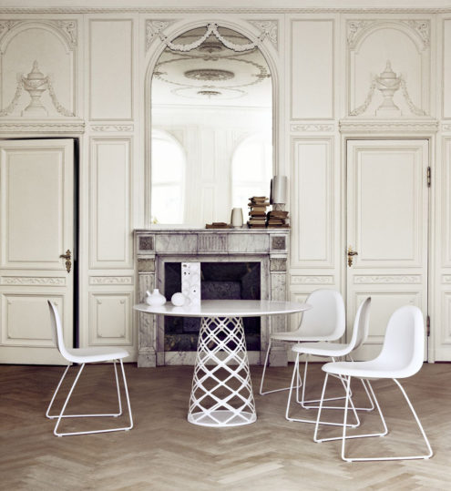 Aoyama Dining Table in white with Gubi 3D chairs