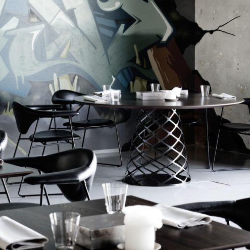 Aoyama Dining Table with Masculo chairs
