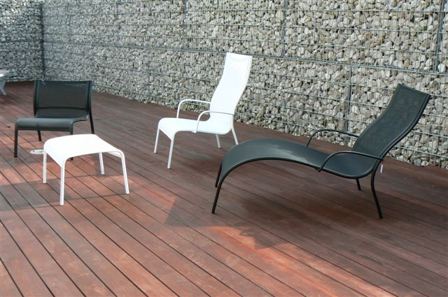Paso doble chaise longue is a designer lounge chair for Chaise longue tours