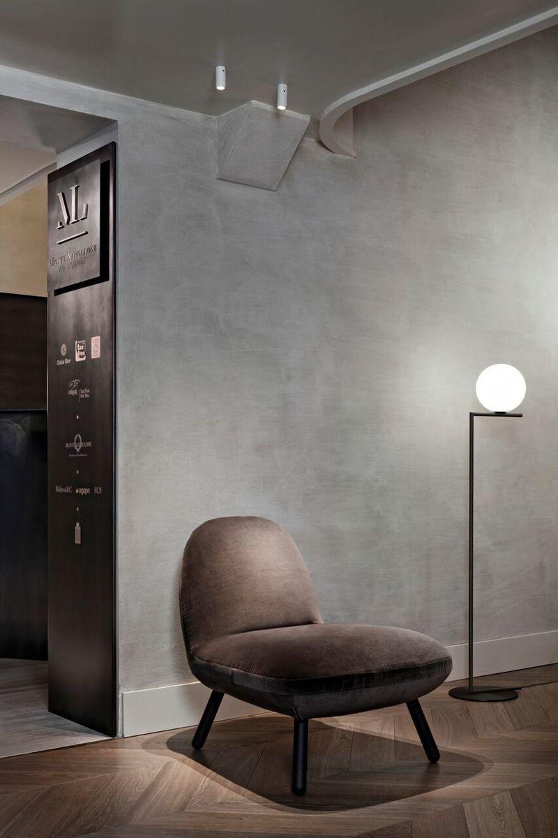 IC Floor Lamp Black In Situ