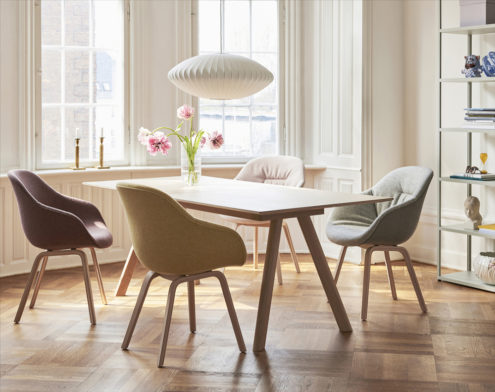 AAC123 Soft Chair Hallingdal 407 matt lacquer oak base_CPH30 Table matt lacquer oak