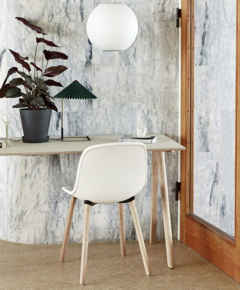 CPH90 Desk off white linoleum, Bubble Lamp Ball_Neu12 matt lacquered oak cream white shell