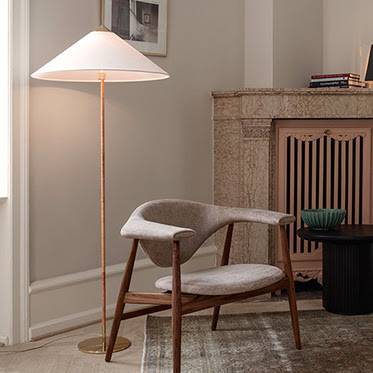 9602 Floor Lamp & Masculo Lounge Chair
